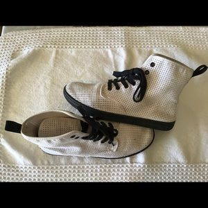 Doc Marten Shoreditch White Canvas boots, size 10